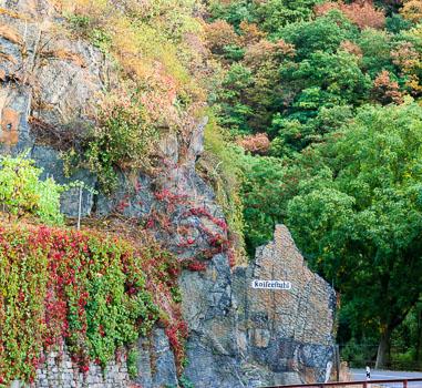 Der Kaiserstuhl ist eine Parzelle, des Marientaler Jesuitengartens. Auf den Terassen wachsen Spätburgunder.