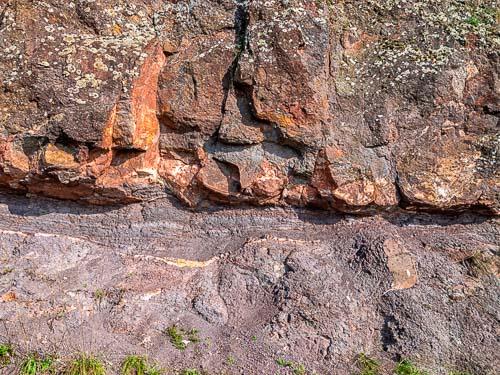 Blick auf vulkanische Gestein im Nahetal