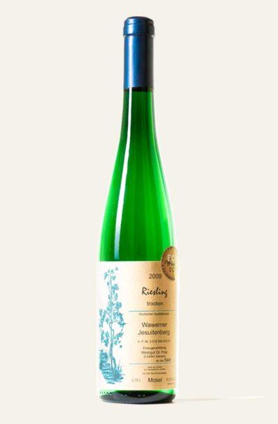 Dr. Frey Riesling Wawerner Jesuitenberg 2009 trocken BIO in grüner Weinflasche mit hellbraunem Etikett