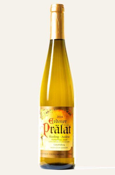 Rieslingflasche des Weingutes Karl Erbes des Jahrgangs 2014 Die Farbe ist gelb, orange und gold.