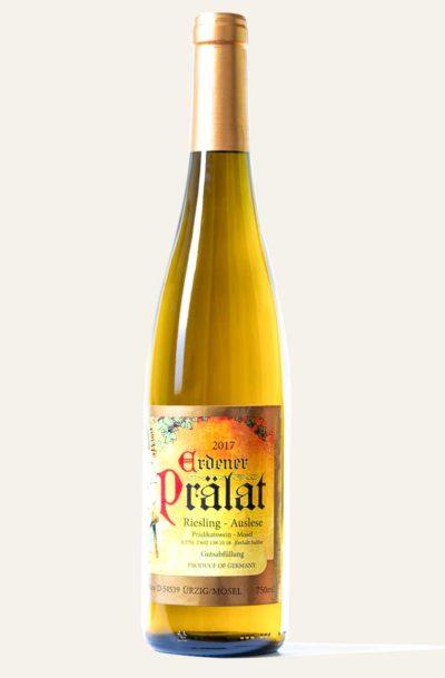 Rieslingflasche des Weingutes Karl Erbes des Jahrgangs 2017. Die Farbe ist gelb, orange und gold.