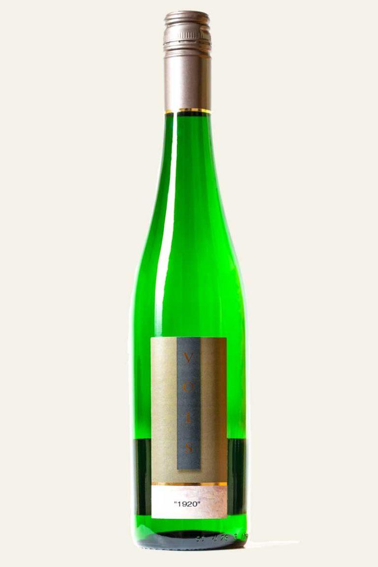 """Vols Riesling Wiltinger Schlangengraben """"1920"""" in grüner Weinflasche mit Etikett in Bronze mit Aufschrift Vols"""