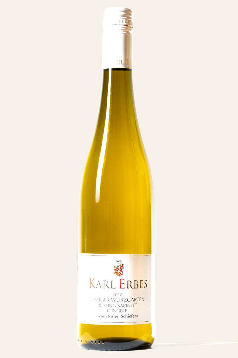 Weinflasche mit Riesling Karl-Erbes Ürziger Wuerzgarten feinherb