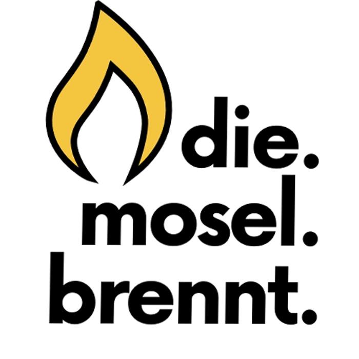 die Mosel brennt Logo mit fetter Schrift und gelber Flamme oben linksr